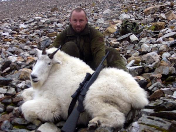 canada-hunting-mountain-goat