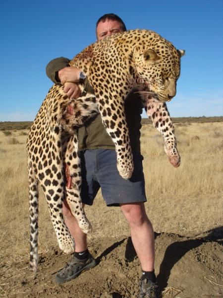 leopard-hunt-namibia